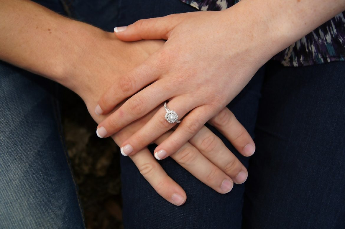 What Can You Do to Make Her Engagement Ring Memorable?