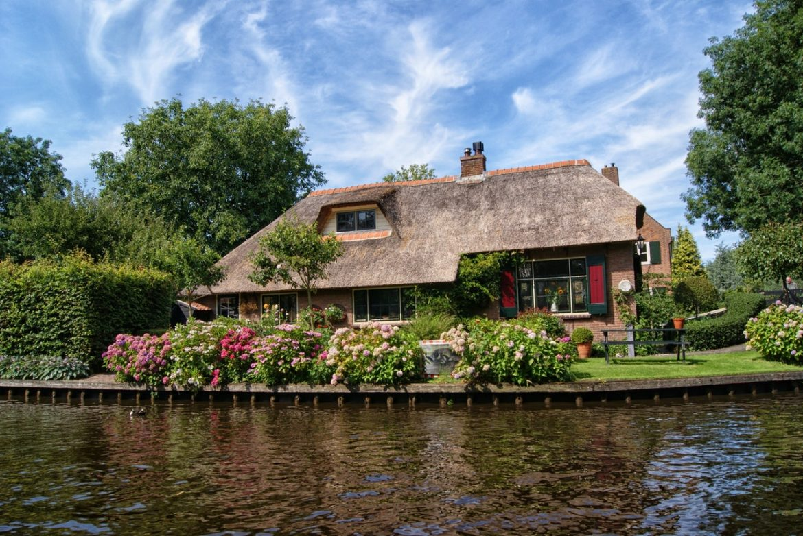 Giethoorn, The Town With No Roads