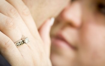 How To Enhance The Sparkle Of Your Engagement Ring